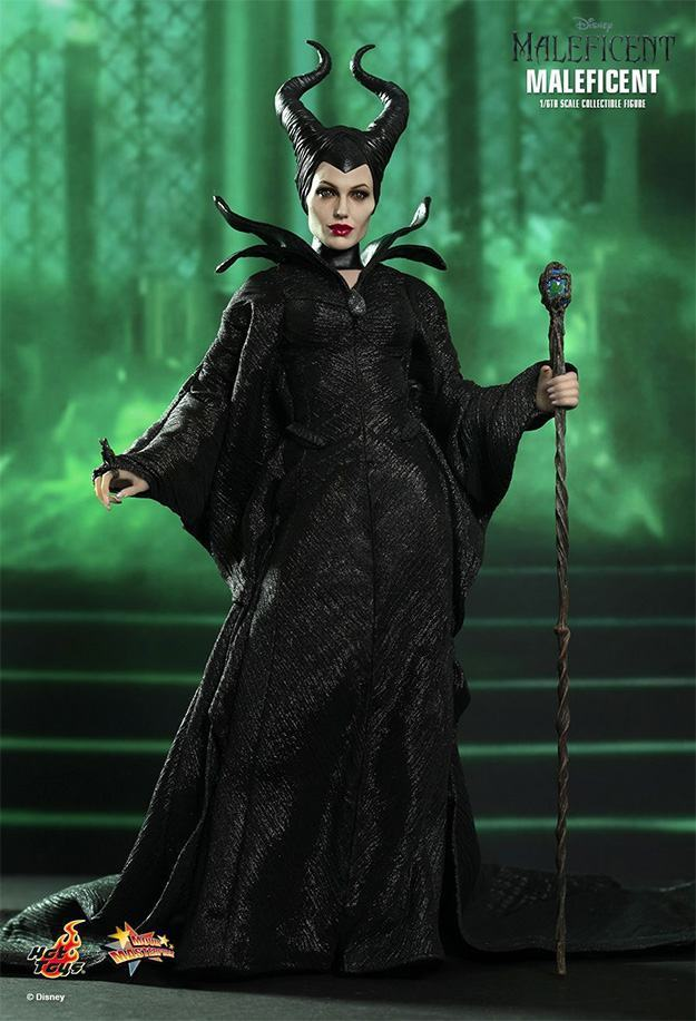 Maleficent-Hot-Toys-Collectible-Figure-01