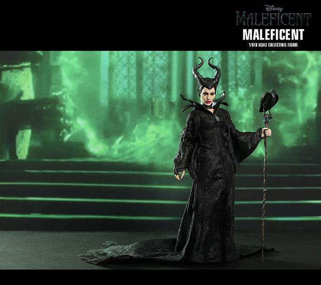Maleficent-Hot-Toys-Collectible-Figure-03