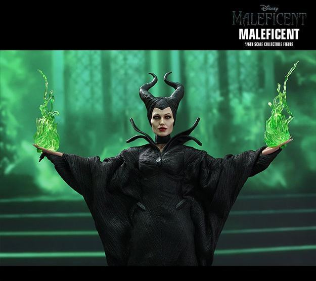 Maleficent-Hot-Toys-Collectible-Figure-06