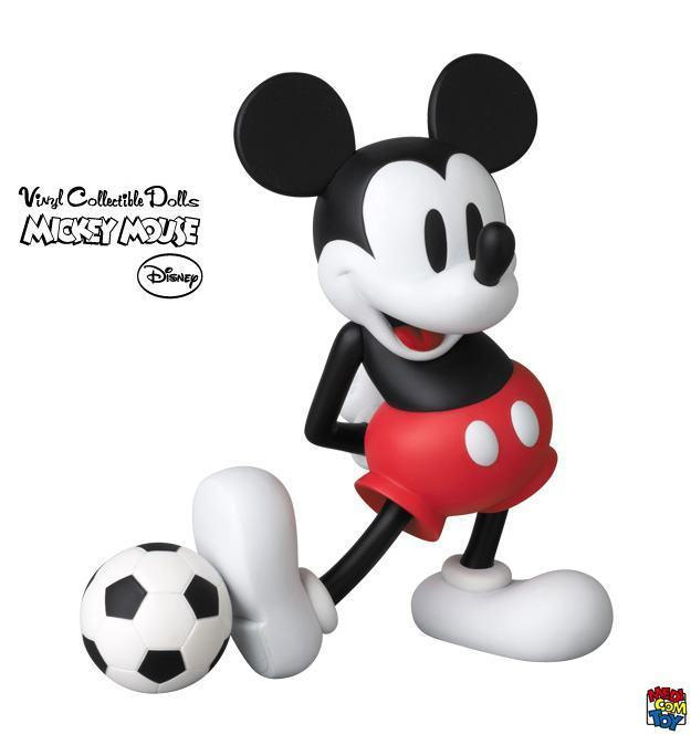 Mickey-Mouse-with-Football-VCD-Copa-06