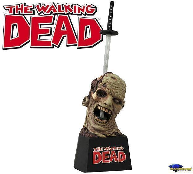 The-Walking-Dead-Zombie-Letter-Opener-01