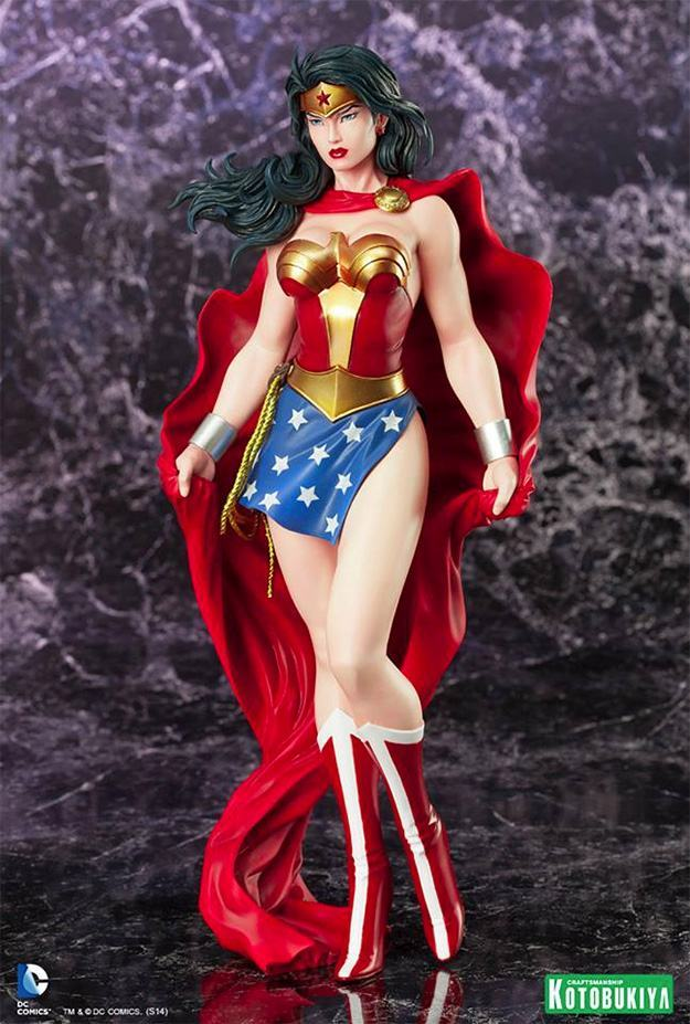 Wonder-Woman-ArtFX-DC-Comics-Statue-04
