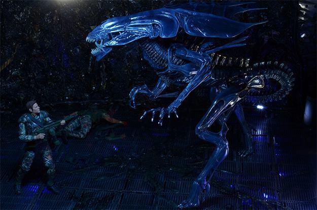 Aliens-Xenomorph-Queen-Ultra-Deluxe-Action-Figure-05