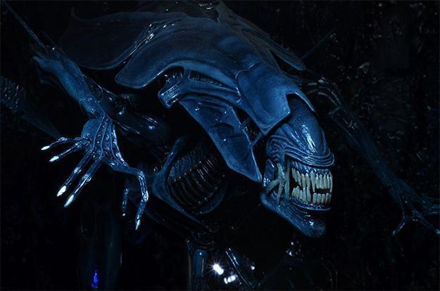 Aliens-Xenomorph-Queen-Ultra-Deluxe-Action-Figure-06