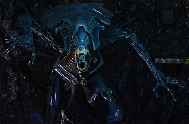 Aliens-Xenomorph-Queen-Ultra-Deluxe-Action-Figure-07