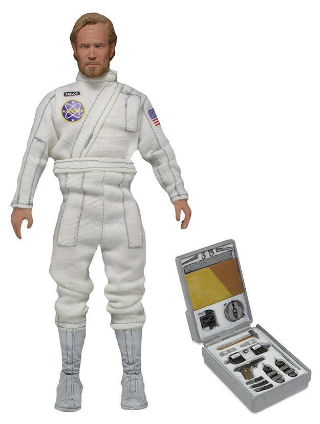 Classic-George-Taylor-Charlton-Heston-Planet-of-the-Apes-Clothed-Action-Figure-02