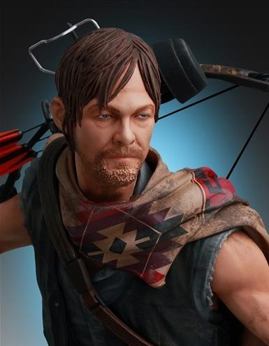 Daryl-and-the-Wolves-Statue-02