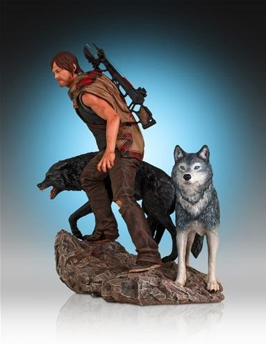 Daryl-and-the-Wolves-Statue-04