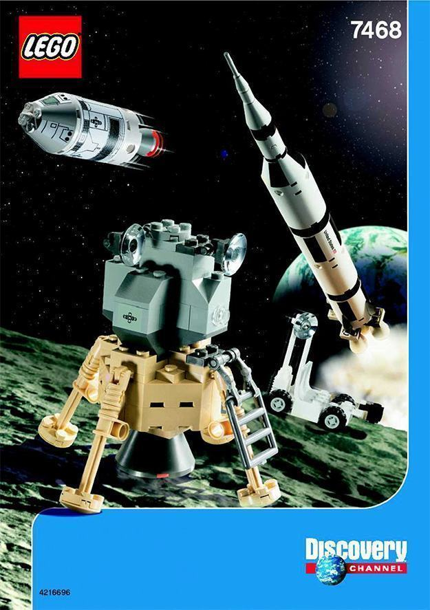 LEGO-Apollo-11-Saturn-V-Moon-Mission-04