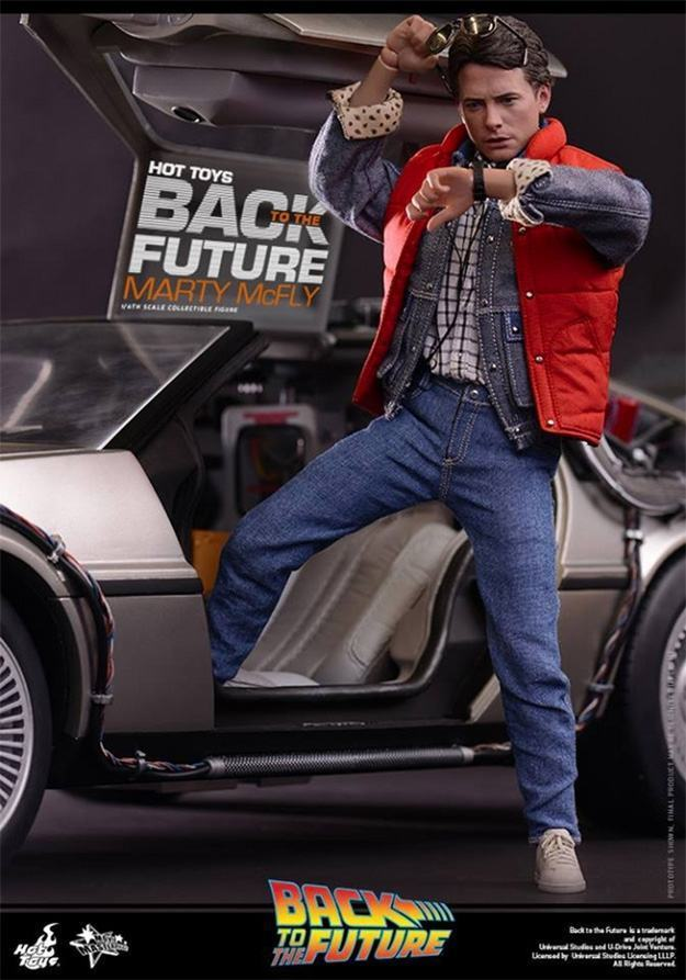 Marty-McFly-Collectible-Figure-Hot-Toys-04
