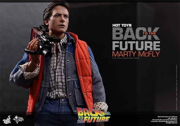 Marty-McFly-Collectible-Figure-Hot-Toys-10