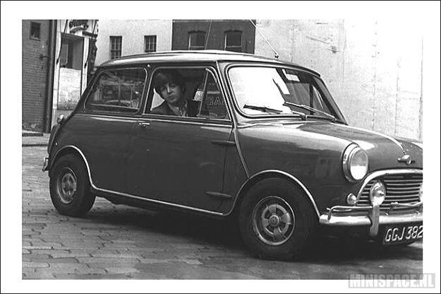 Morris-Mini-Cooper-Paul-McCartney-02