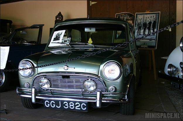 Morris-Mini-Cooper-Paul-McCartney-03