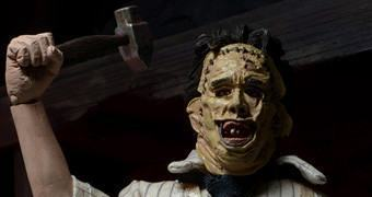 O Massacre da Serra Elétrica 40 Anos: Action Figure Retro do Maníaco Leatherface!