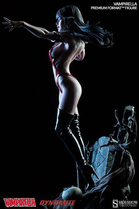 Vampirella-Premium-Format-Figure-10
