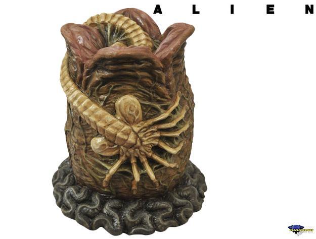 Cofre-Aliens-Alien-Egg-Bank-01