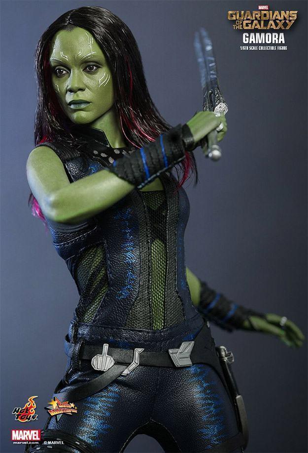 Gamora-Figure-MMS-Hot-Toys-03