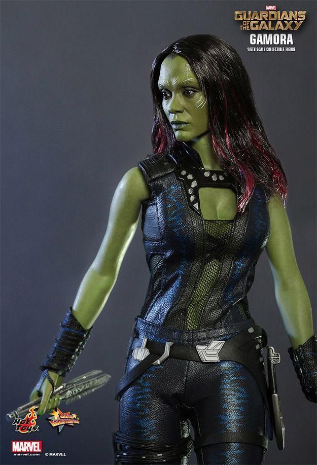 Gamora-Figure-MMS-Hot-Toys-08