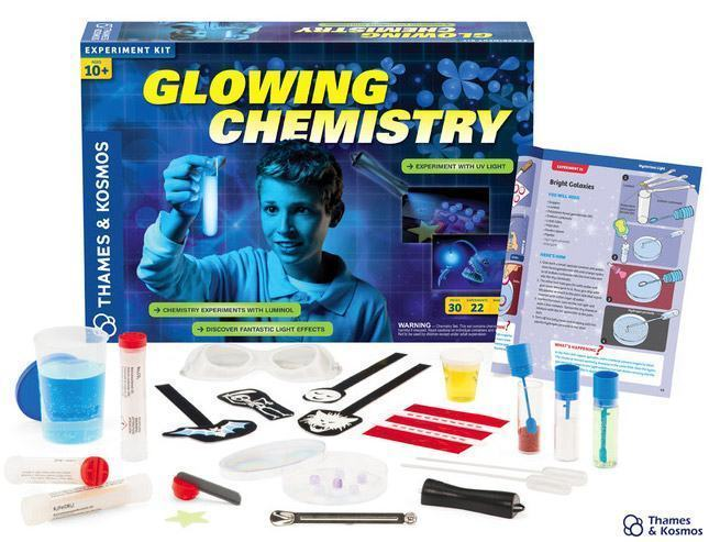 Glowing-Chemistry-Kit-01