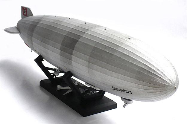 Hindenburg-Blimp-1-520-Scale-Model-Kit-03