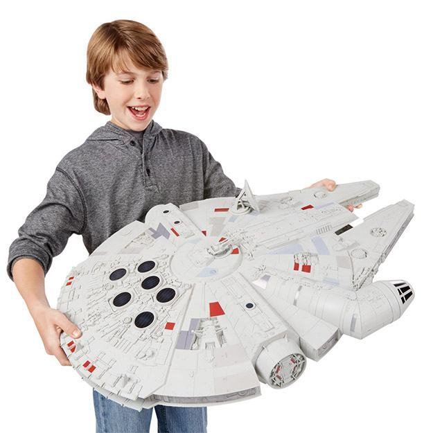 Star-Wars-Hero-Series-Millennium-Falcon-04