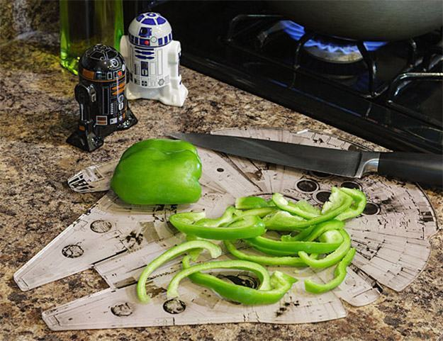Tabua-de-Cortar-Star-Wars-Millennium-Falcon-Chopping-Board-02