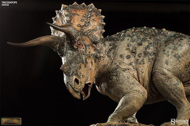 Triceratops-Dinosauria-Statue-03