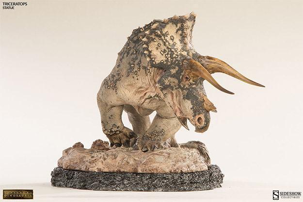 Triceratops-Dinosauria-Statue-08