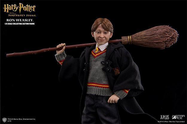 Ron-Weasley-Philosophers-Stone-Action-Figure-02