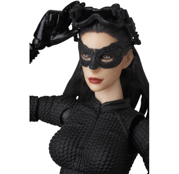 Selina-Kyle-MAFEX-Action-Figure-04