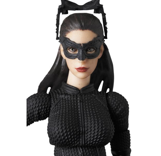 Selina-Kyle-MAFEX-Action-Figure-06