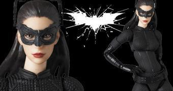 Action Figure Medicom MAFEX: Anne Hathaway como Selina Kyle (Catwoman)