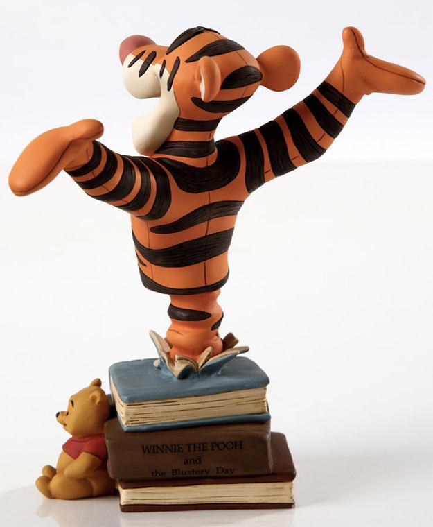 Tigger-Pooh-Grand-Jester-Bust-02