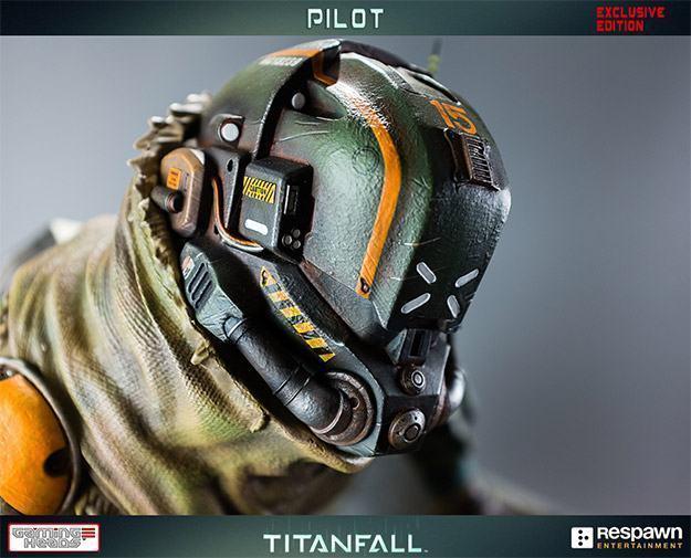 Titanfall-Militia-Assault-Pilot-Statue-03