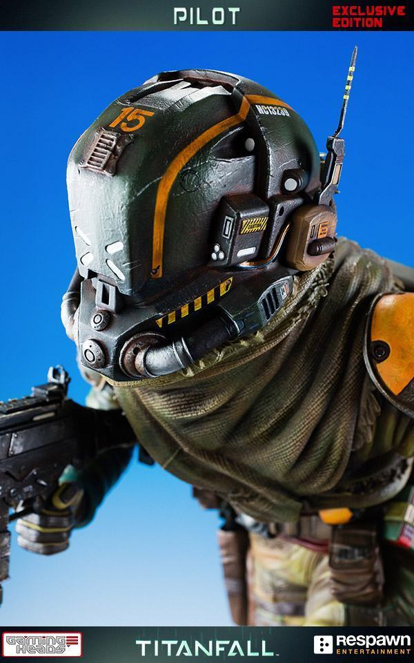 Titanfall-Militia-Assault-Pilot-Statue-08