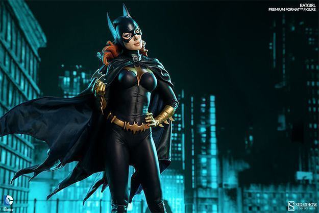 Batgirl-Premium-Format-Figure-04