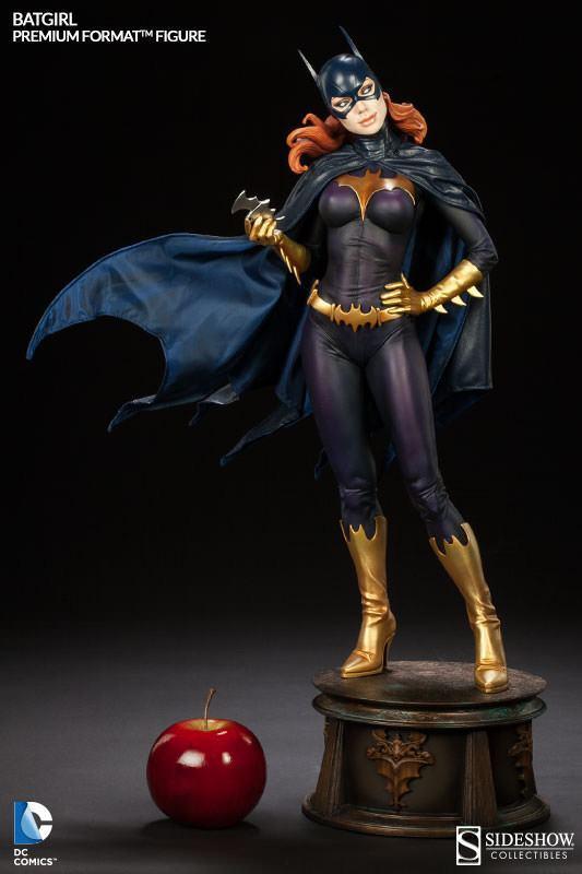 Batgirl-Premium-Format-Figure-08