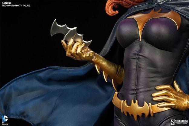 Batgirl-Premium-Format-Figure-09
