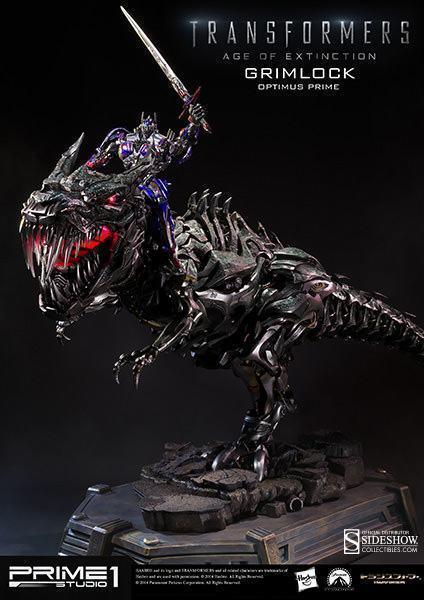 Grimlock-Statue-with-Opimus-Prime-06