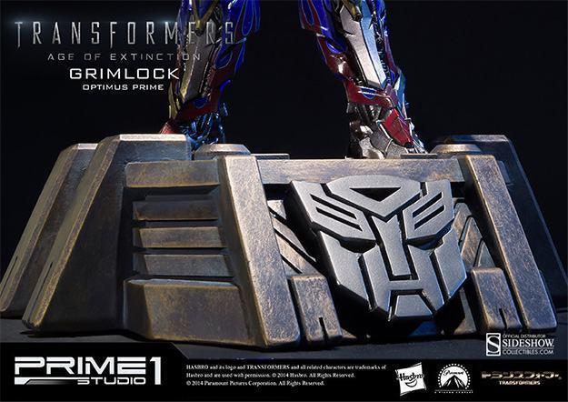 Grimlock-Statue-with-Opimus-Prime-11