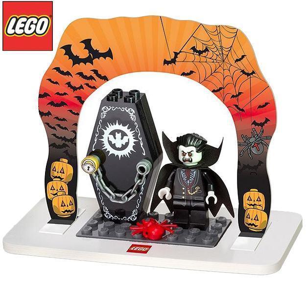 LEGO-2014-Halloween-Set-01