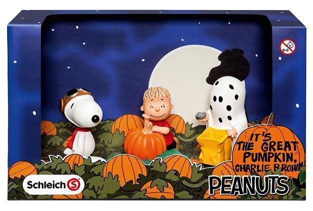 Schleich-Peanuts-Halloween-Scenery-Pack-01