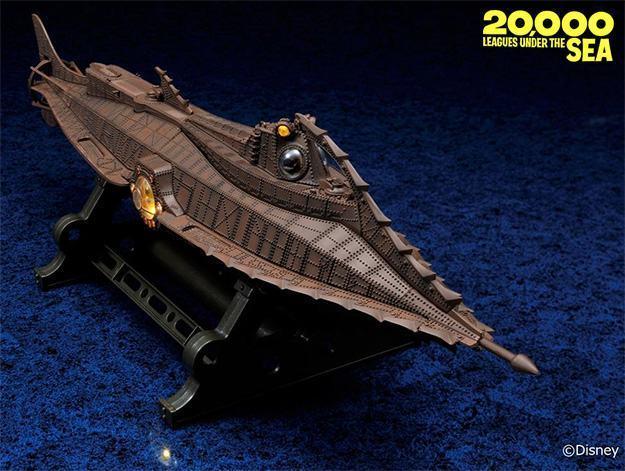 Twenty-Thousand-Leagues-Under-the-Sea-Nautilus-Diecast-Age-Series-03