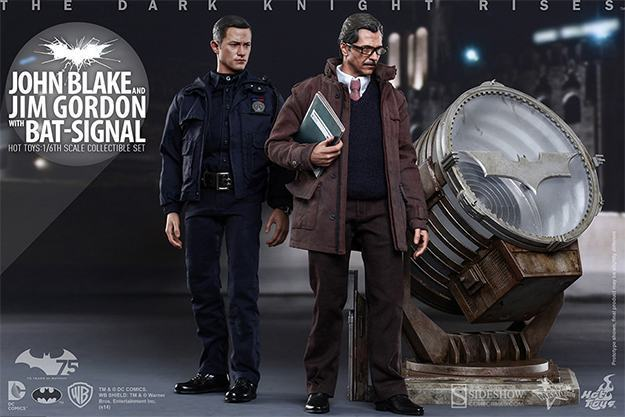John-Blake-Jim-Gordon-Bat-Signal-Hot-Toys-Collectible-Set-01