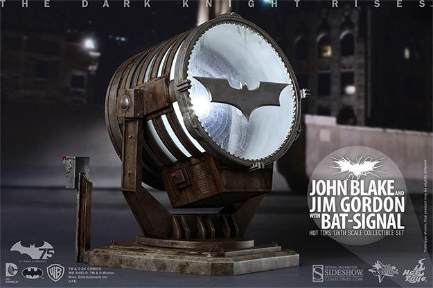 John-Blake-Jim-Gordon-Bat-Signal-Hot-Toys-Collectible-Set-07