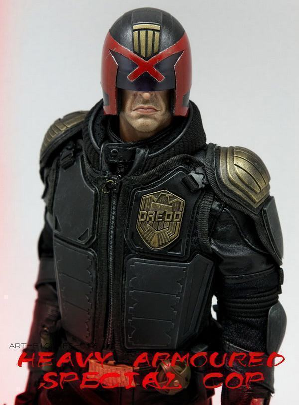 Judge-Dredd-Heavy-Armoured-Special-Cop-Action-Figure-04