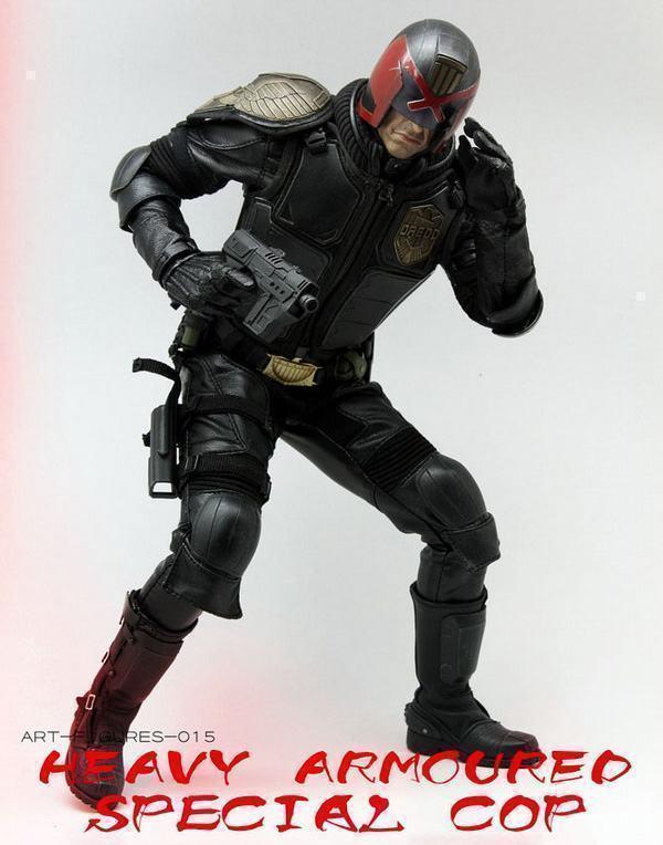 Judge-Dredd-Heavy-Armoured-Special-Cop-Action-Figure-06