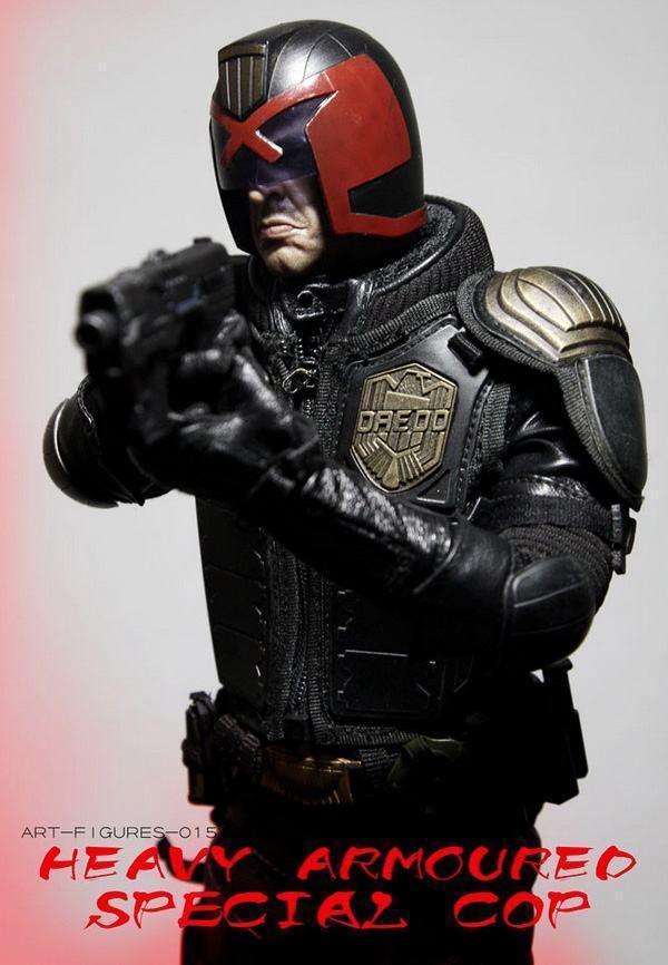 Judge-Dredd-Heavy-Armoured-Special-Cop-Action-Figure-08