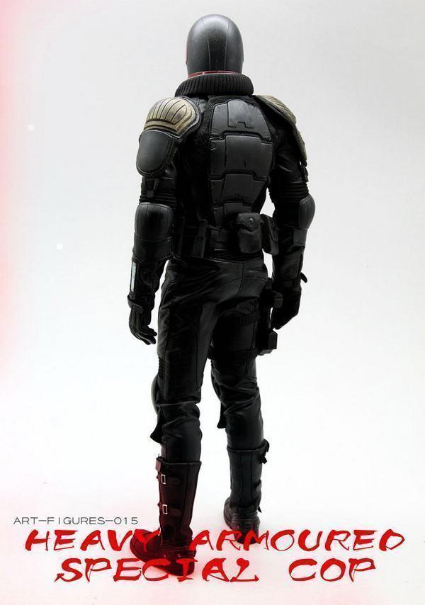 Judge-Dredd-Heavy-Armoured-Special-Cop-Action-Figure-10