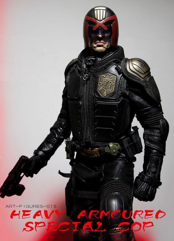 Judge-Dredd-Heavy-Armoured-Special-Cop-Action-Figure-11